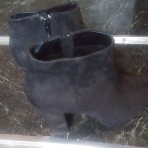 Women NEW DIRECTION ANKLE BOOTS SIZE 7.5